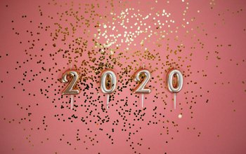 Grid post photo of 2020 on pink background 3401900